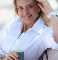 Holli+Green-juice1.jpg