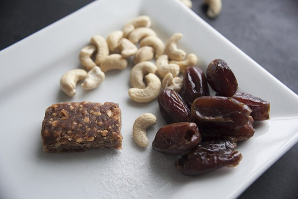 Vegan-snack-bars-dates